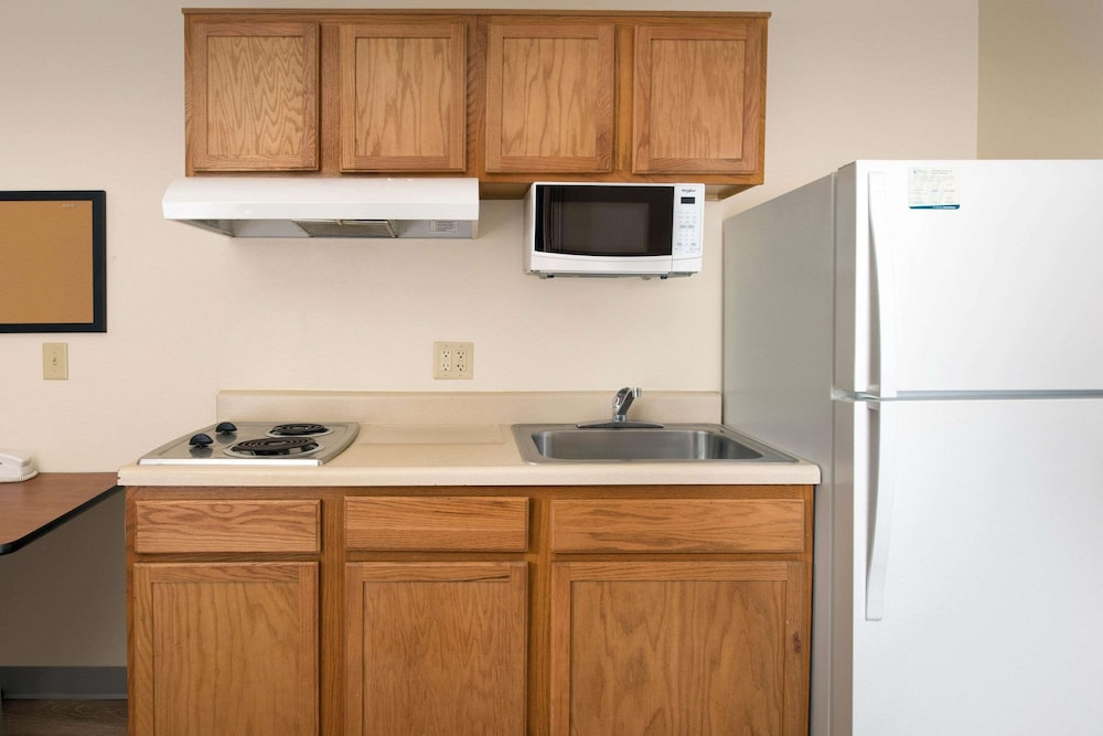 Private Kitchen, WoodSpring Suites Orlando Clarcona - Maitland