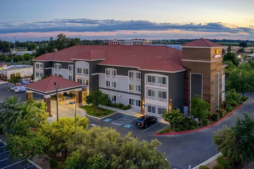 La Quinta Inn & Suites by Wyndham Visalia/Sequoia Gateway