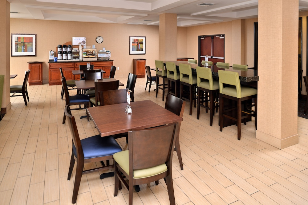 Holiday Inn Express Hotel Suites San Go Otay Mesa In Rates Reviews On Orbitz
