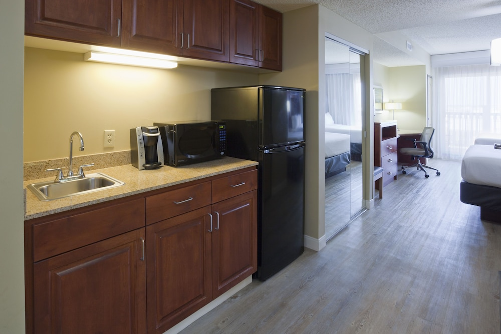 Private Kitchen, Holiday Inn Hotel & Suites Maple Grove Nw Mpls-Arbor Lks