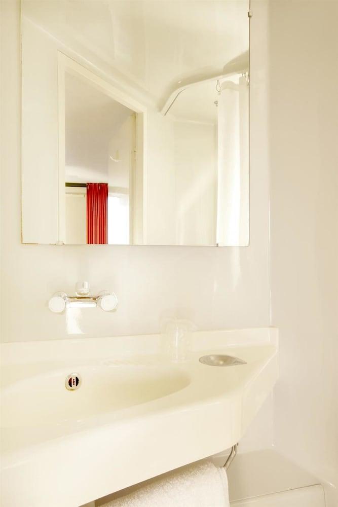 Hotel premi re classe salon de provence st r my de for Hotel premiere classe salon de provence