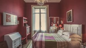 1 camera, copriletto in piuma, minibar, una cassaforte in camera