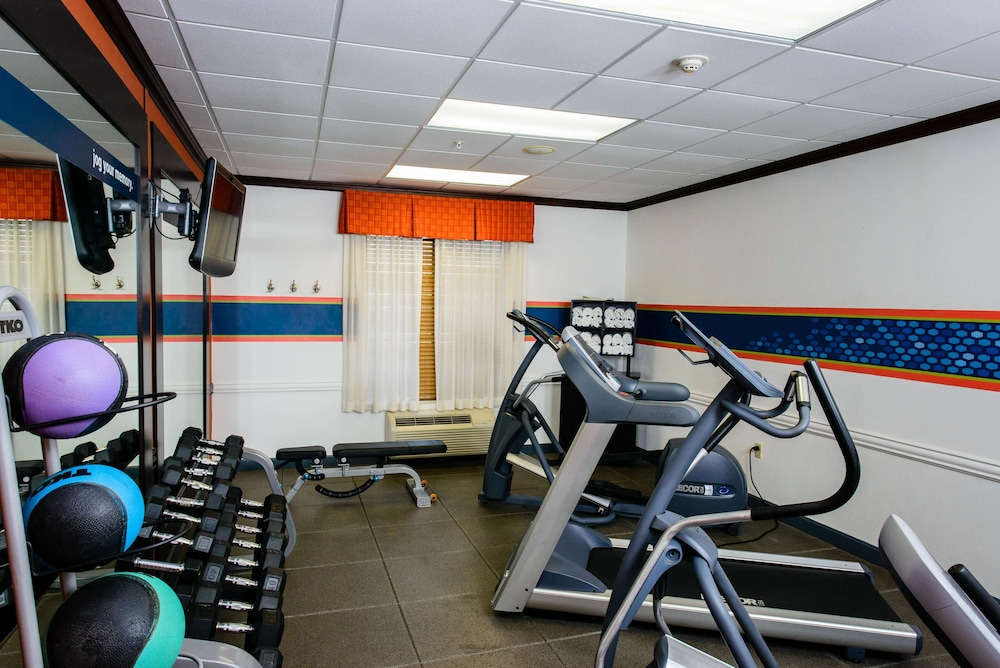 Fitness Facility, Hampton Inn & Suites Port Arthur