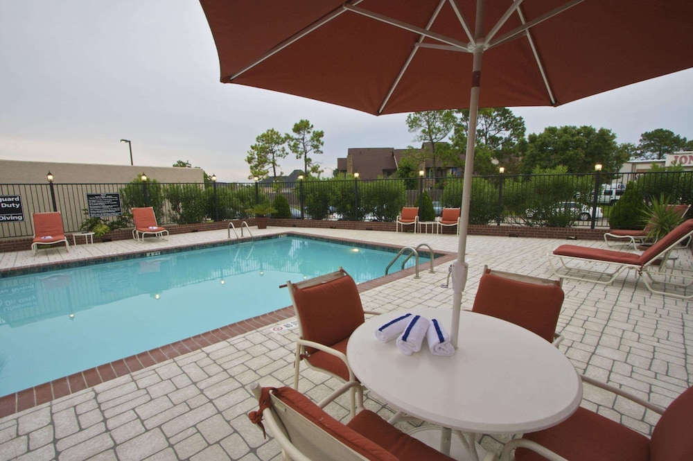 Pool, Hampton Inn & Suites Port Arthur