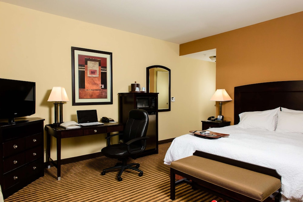 Room, Hampton Inn & Suites Port Arthur