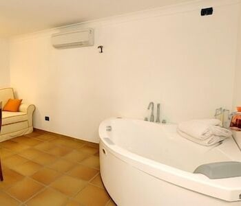 Jetted Tub, Hotel Floridiana