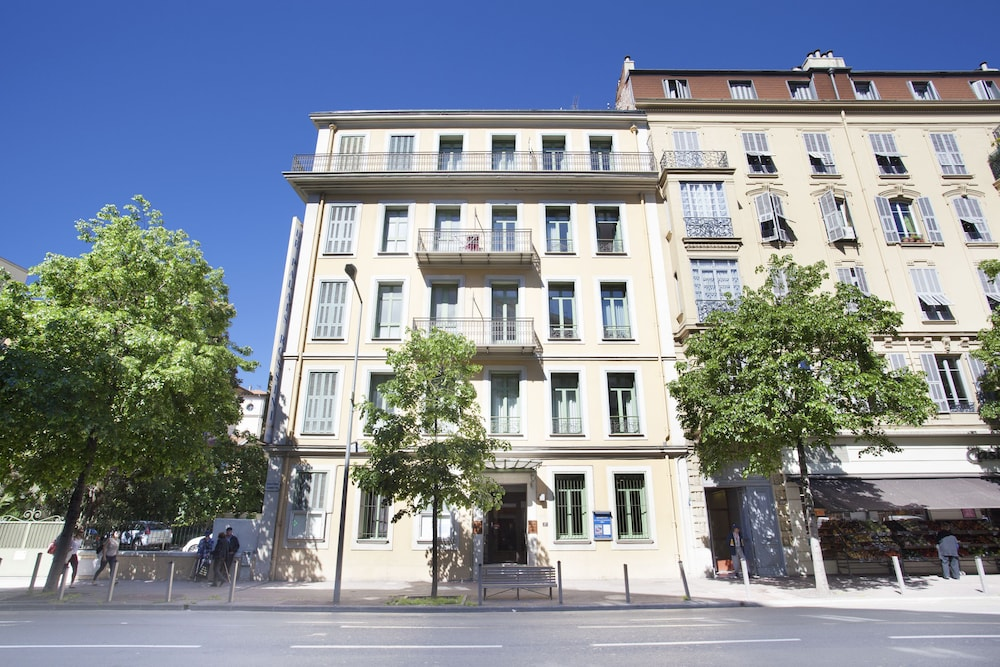 Book appart 39 h tel odalys le palais rossini nice hotel deals for Appart hotel 41