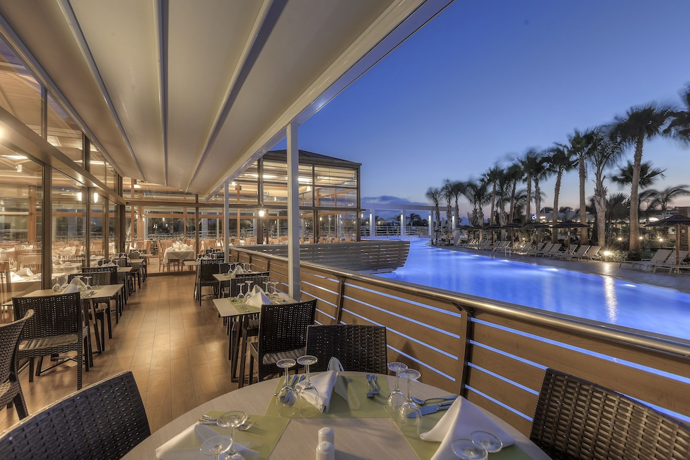 Outdoor Dining, Blue Lagoon Resort - All Inclusive