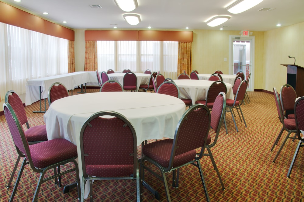 Meeting Facility, Holiday Inn Express Leesville, an IHG Hotel