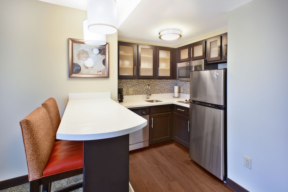 Private Kitchen, Staybridge Suites Cleveland Mayfield Heights Beachwood