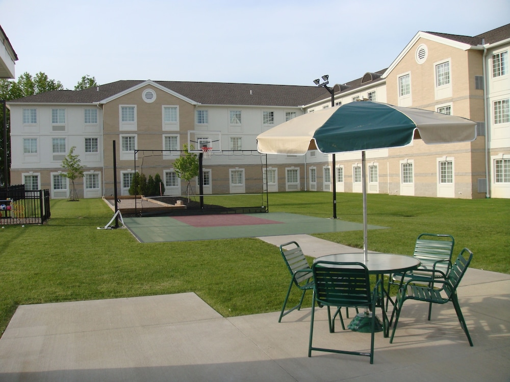 Basketball Court, Staybridge Suites Cleveland Mayfield Heights Beachwood