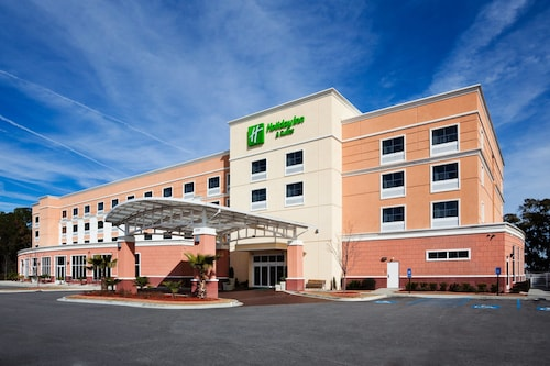 Holiday Inn Hotel & Suites Beaufort at Highway 21, an IHG Hotel