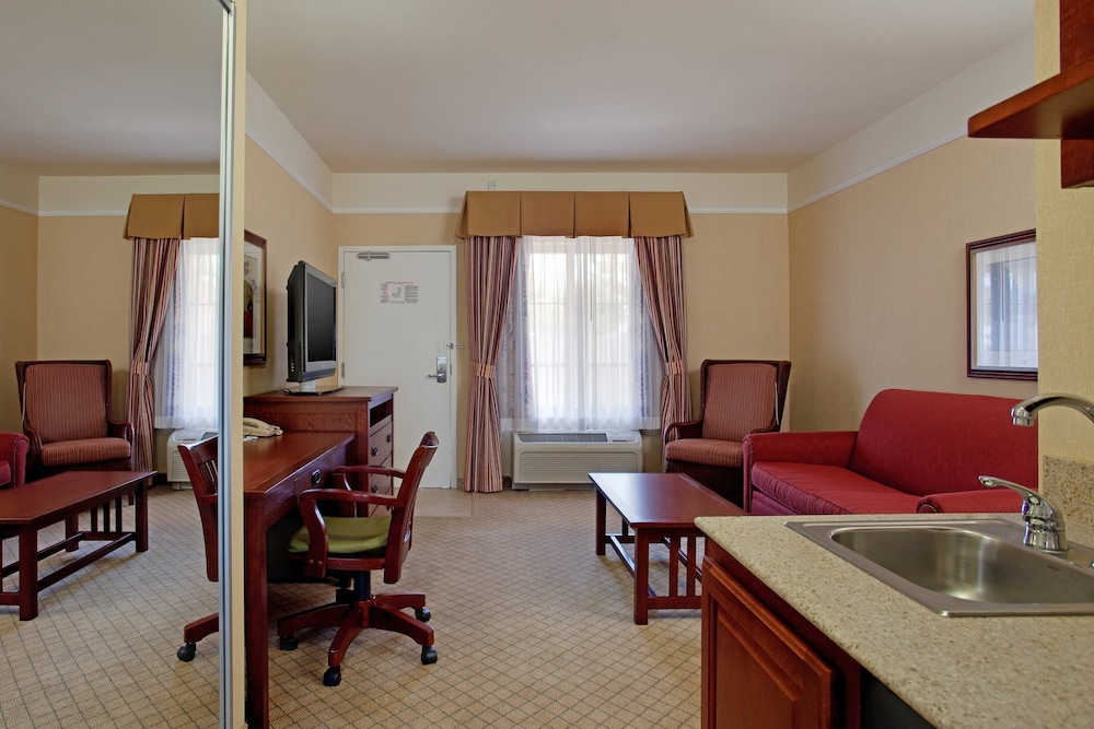 Private Kitchenette, Holiday Inn Express Hotel & Suites San Dimas, an IHG Hotel