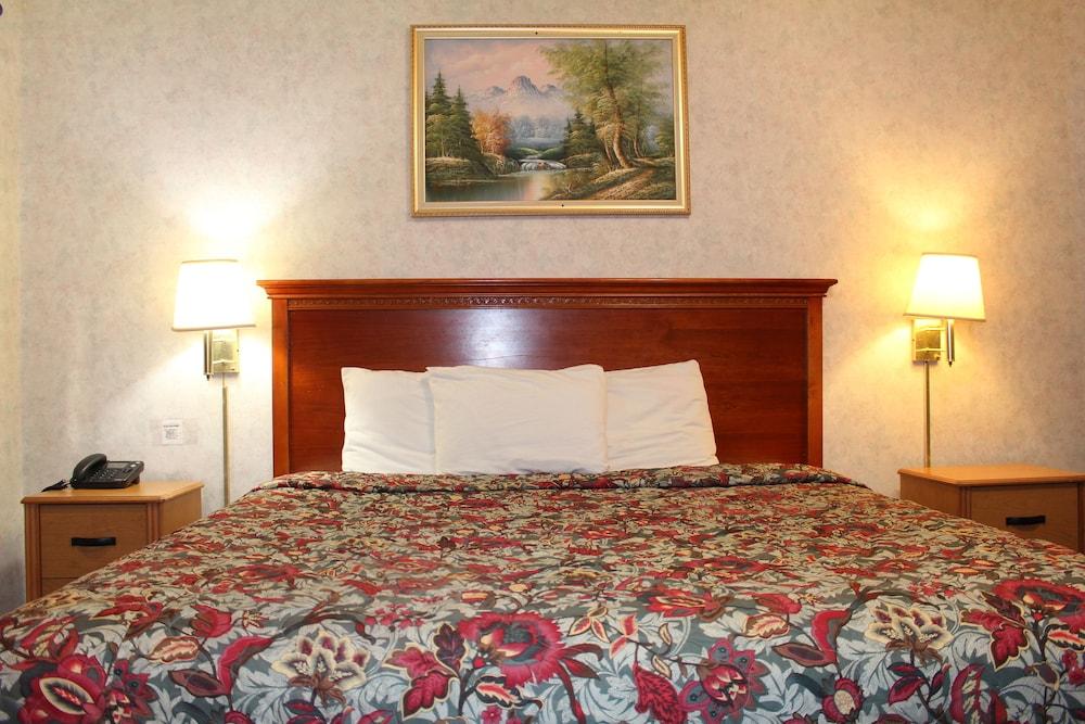 Book highlander motor inn atlantic city galloway hotel deals for Motor city hotel packages