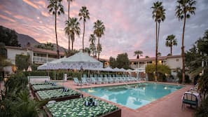 Outdoor pool, pool cabanas (surcharge)
