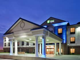 Holiday Inn Express & Suites McPherson, an IHG Hotel