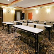 Holiday Inn Express Hotel & Suites Fairfield - North
