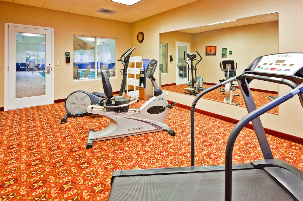Fitness Facility, Holiday Inn Express & Suites Dickson, an IHG Hotel