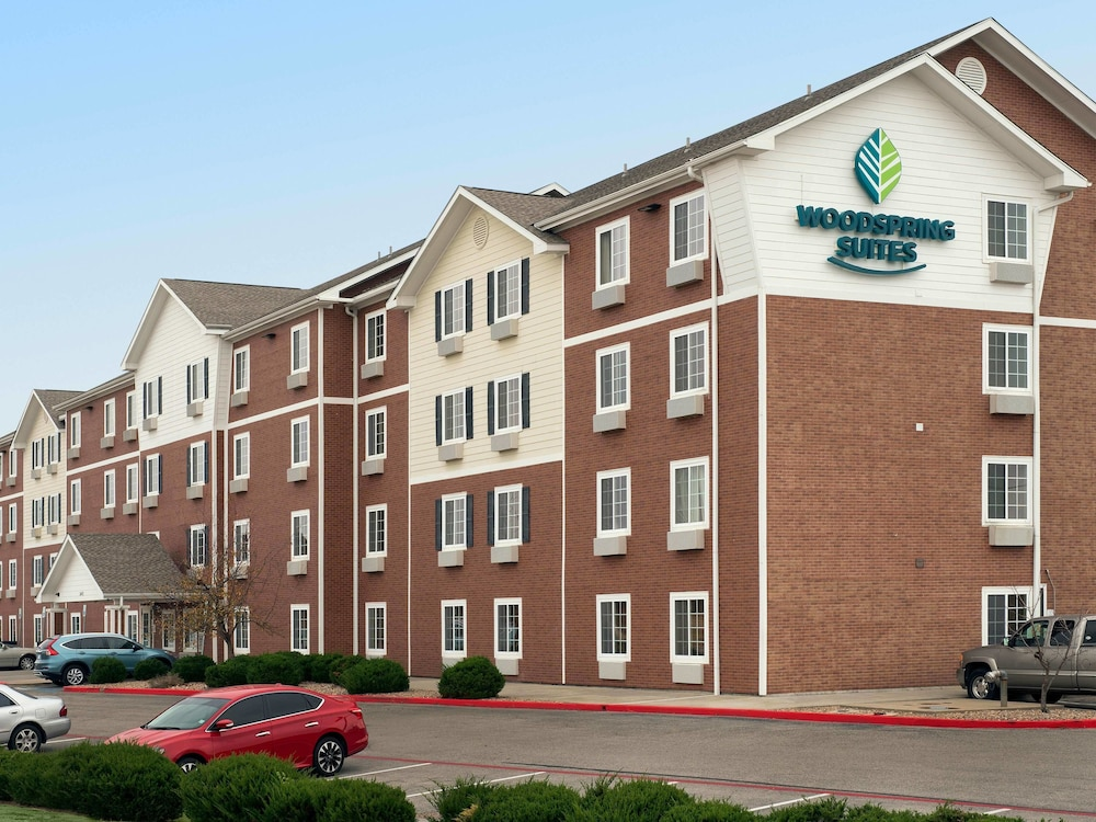 Fountain, WoodSpring Suites Oklahoma City Norman