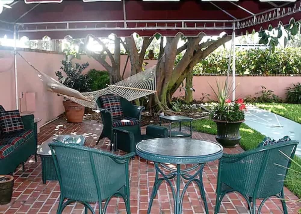 Terrace/Patio, The Inn at Cocoa Beach