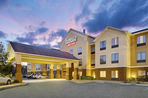 Check Expedia for Availability of Fairfield Inn & Suites by Marriott Lafayette South