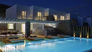 Seasonal outdoor pool, free pool cabanas, pool umbrellas