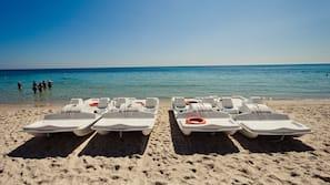 Plage privée, sable blanc, ski nautique, planche à voile