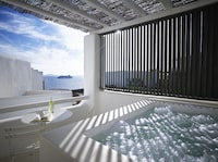 2 Double Connecting Rooms With Outdoor Spa Bath