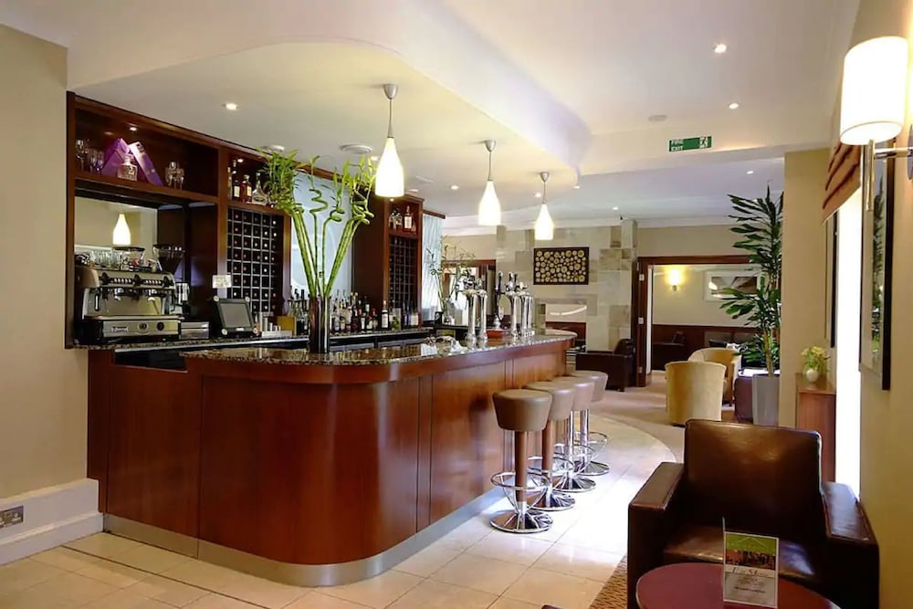 Bar, The Brookfield Hotel