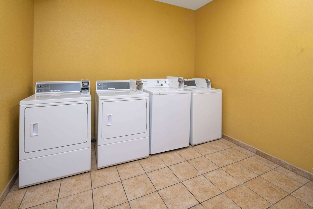 Laundry Room, Baymont by Wyndham Las Vegas South Strip