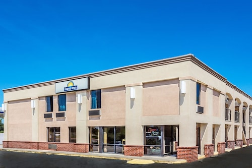 Days Inn by Wyndham Slidell