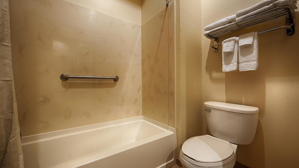 Bathroom, Best Western Lockhart Hotel & Suites