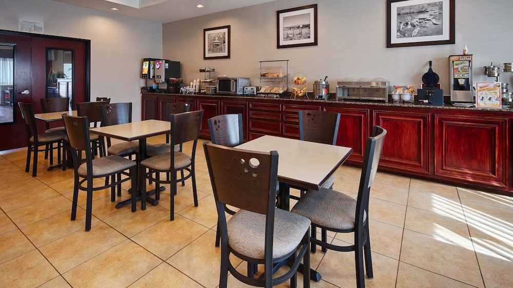 Breakfast Area, Best Western Lockhart Hotel & Suites