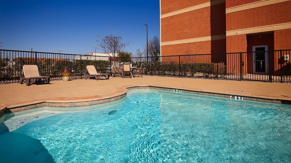 Pool, Best Western Lockhart Hotel & Suites