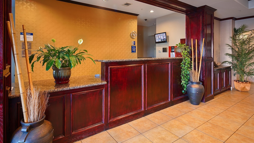 Reception, Best Western Lockhart Hotel & Suites
