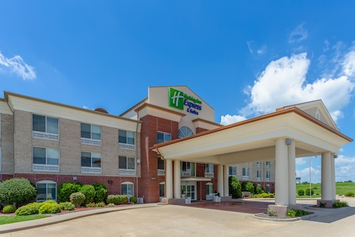 Great Place to stay Holiday Inn Express & Suites Vandalia near Vandalia