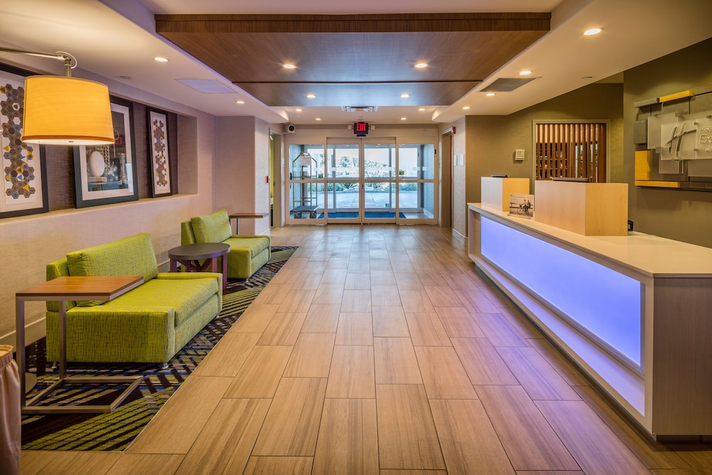 Lobby, Holiday Inn Express and Suites Modesto, an IHG Hotel