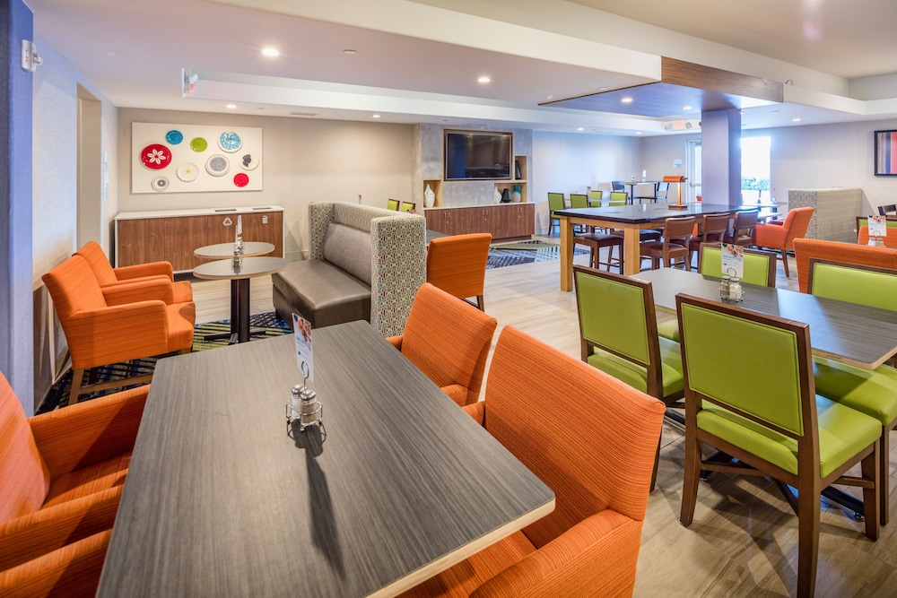 Breakfast Meal, Holiday Inn Express and Suites Modesto, an IHG Hotel