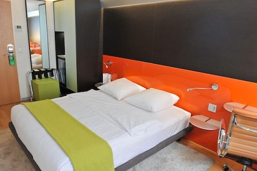Design hotel f6 hotels in geneva geneva che for Hotel design f6 geneva