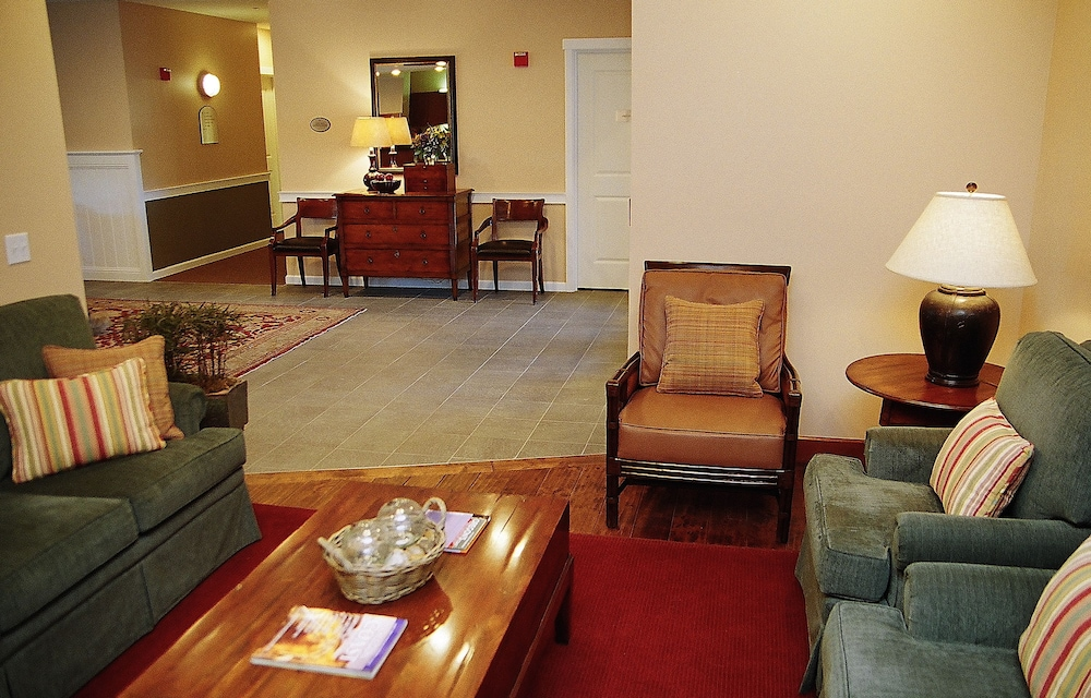 Lobby Sitting Area, Rivertide Suites Hotel
