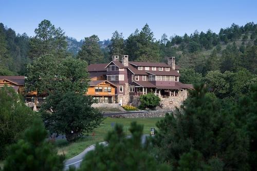 State Game Lodge at Custer State Park Resort