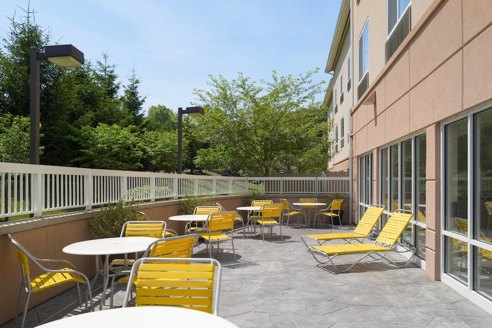 Balcony, Fairfield Inn & Suites by Marriott State College