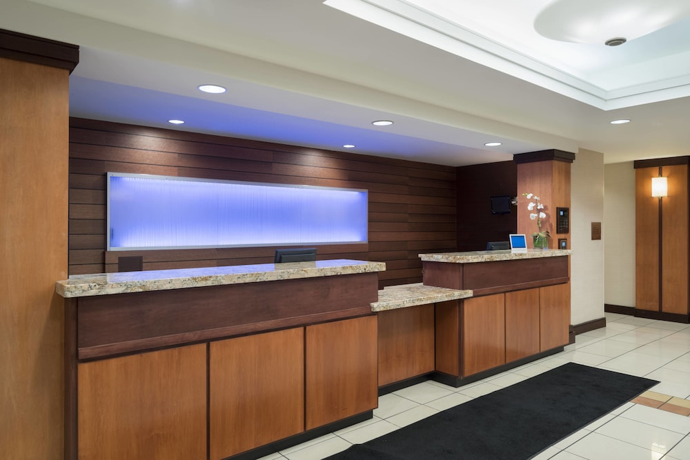 Lobby, Fairfield Inn & Suites by Marriott State College