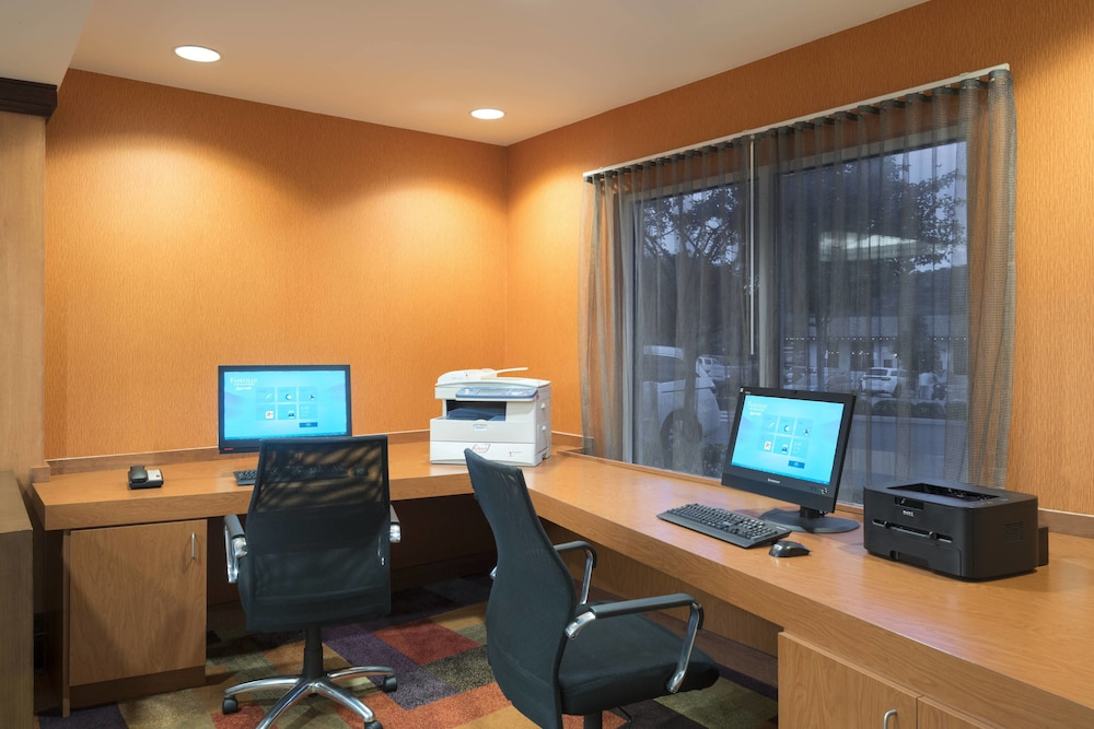Business Center, Fairfield Inn & Suites by Marriott State College