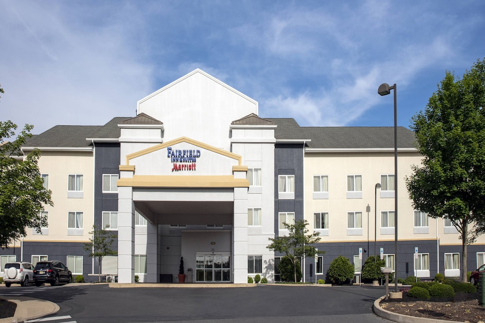 Exterior, Fairfield Inn & Suites by Marriott State College