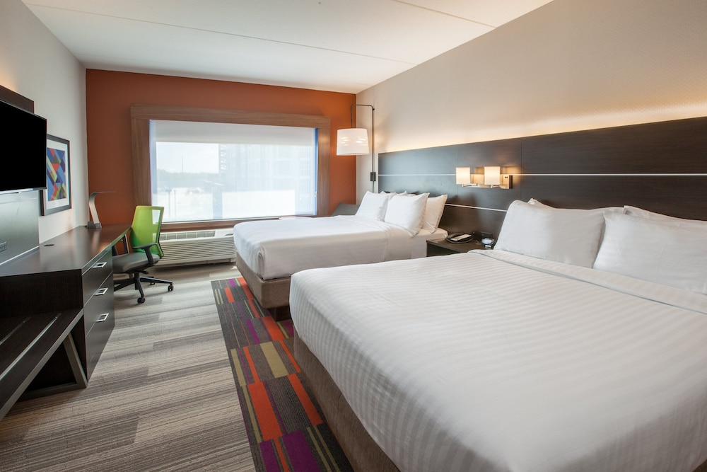 Room, Holiday Inn Express & Suites Seymour, an IHG Hotel