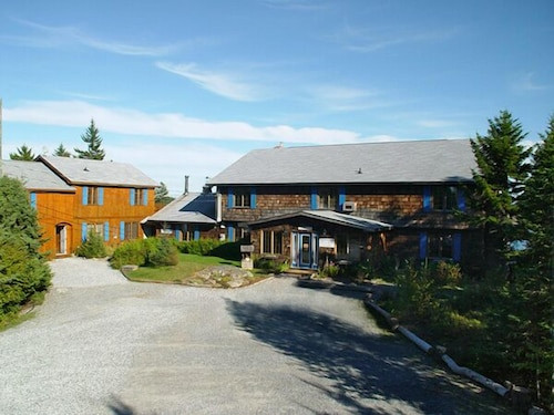Great Place to stay Mariner's Inn near Chance Harbour