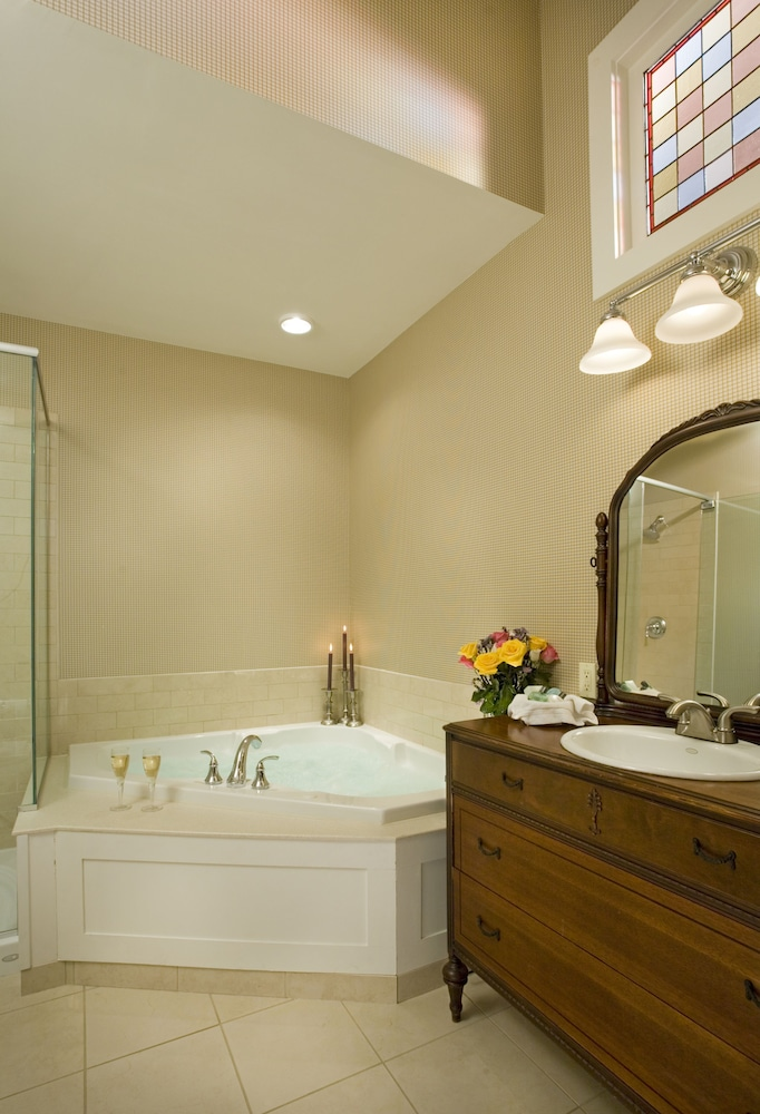 Bathroom, Lake Opechee Inn and Spa