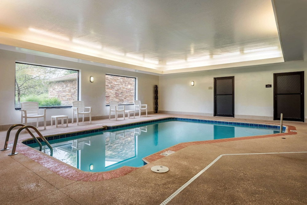 Pool, Comfort Suites Wright Patterson