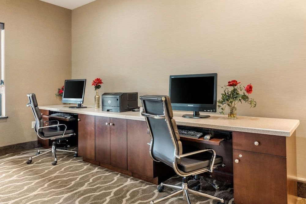 Business Center, Comfort Suites Wright Patterson